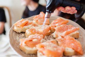 salmon-bruschetta-
